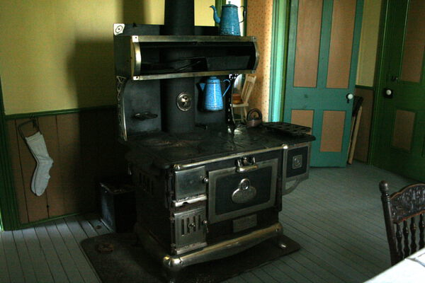 Wood Stove for Self-Sufficient Heat